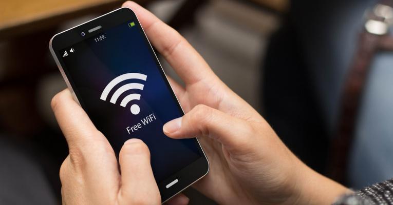 Κινητά τηλέφωνα και wifi στο σπίτι: Κανόνες προστασίας που πρέπει να τηρούνε όλοι
