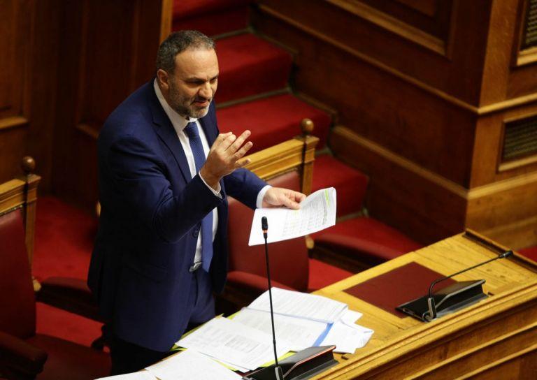 Εκλογές 2019: Θύμα ξυλοδαρμού ο πρώην υπουργός Νίκος Μαυραγάνης (vid) |  Pagenews.gr