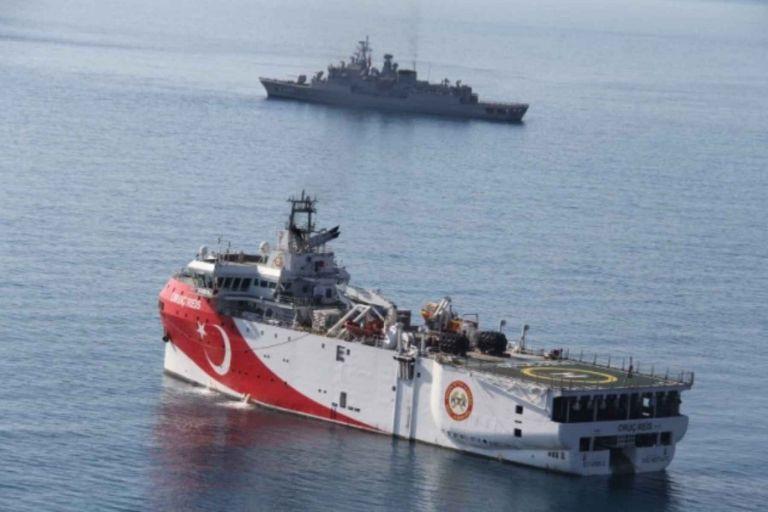 Καλύτερα οι Τούρκοι στον πάτο της θάλασσας, παρά εμείς στο τραπέζι των διαπραγματεύσεων