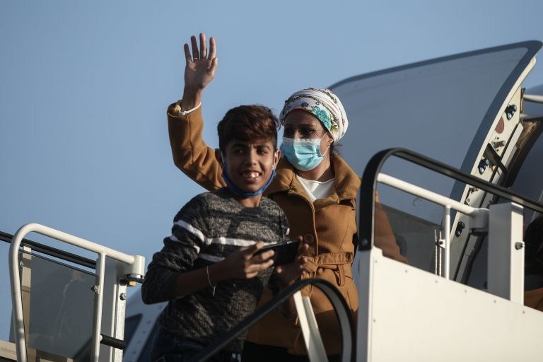 Γερμανοί «σφραγίζουν» την έξοδο μεταναστών από ελληνικά αεροδρόμια